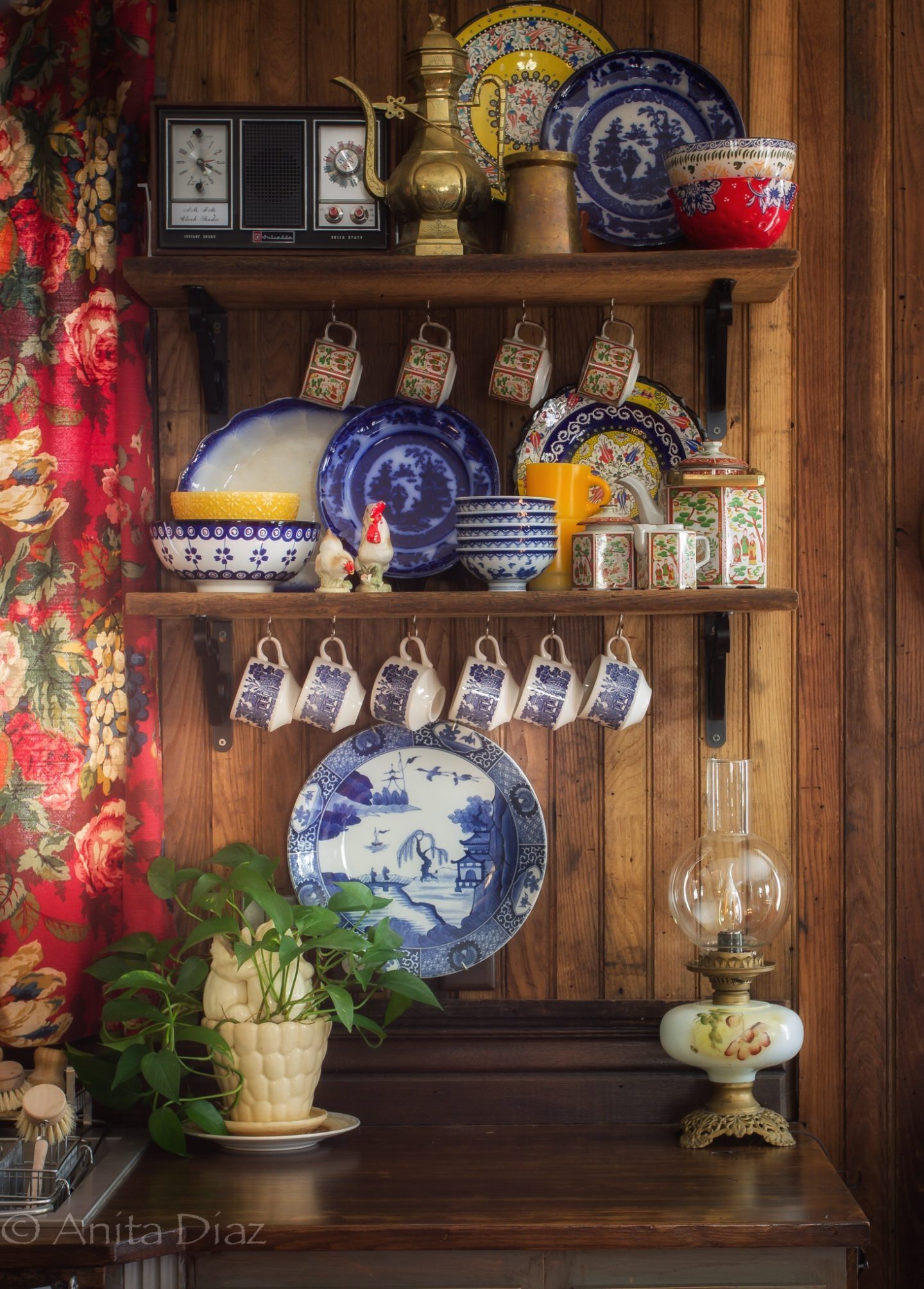 Shelf styling: Mixing old and new